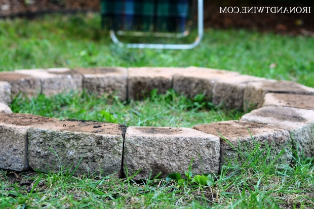 Amazing Building A Fire Pit With Retaining Wall Blocks How To Build A Fire Pit