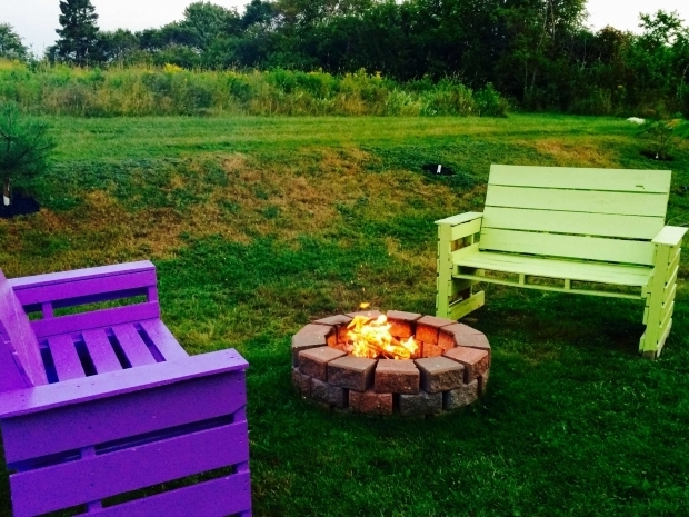 Fascinating Pallet Fire Pit Patio Fire Pit Furniture Out Of 14 Repurposed Pallets Pallet