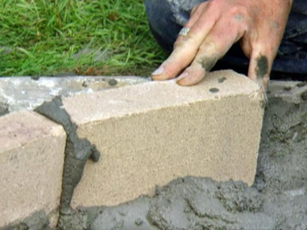 Outstanding Fire Bricks For Fire Pit How To Build A Fire Pit Diy Fire Pit How Tos Diy