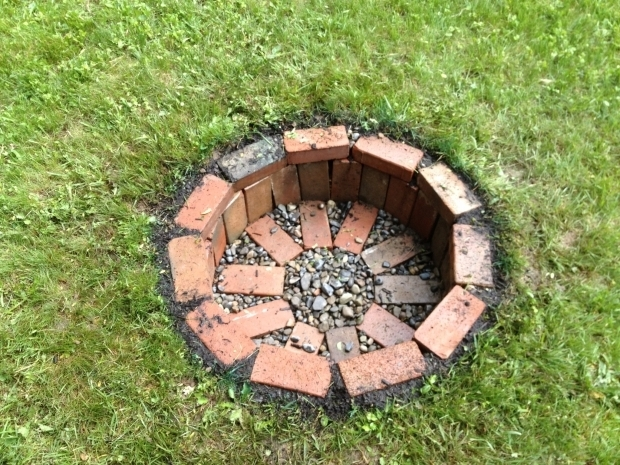 Remarkable How To Build A Cheap Fire Pit 1000 Ideas About Brick Fire Pits On Pinterest Fire Pits Fire