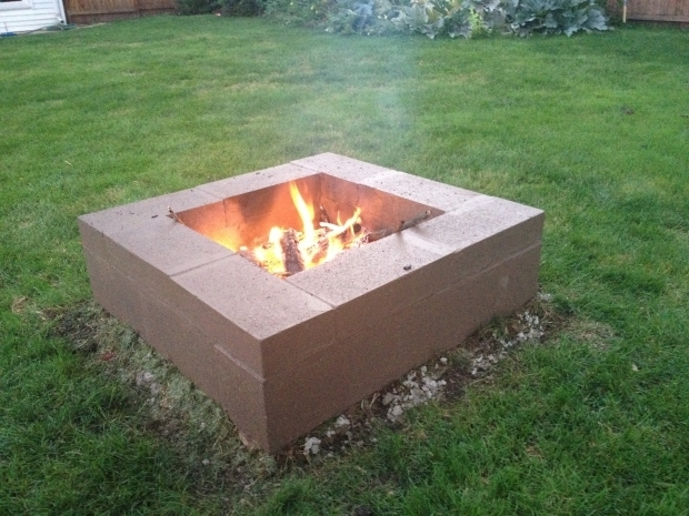 Amazing How To Make A Cinder Block Fire Pit Cinder Block Firepit Cinder Block Fire Pit Outdoors Pinterest