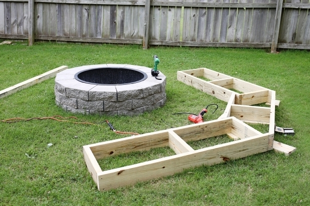 Fantastic Curved Fire Pit Bench Simple But Cozy Garden Firepit Seating Amazing Homes