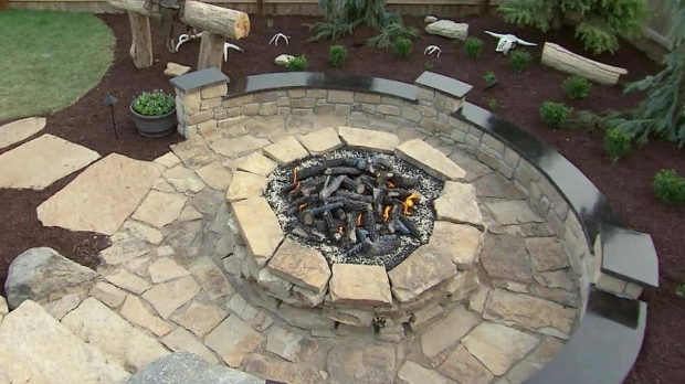 Fantastic Stacked Stone Fire Pit How To Build A Stone Fire Pit How Tos Diy