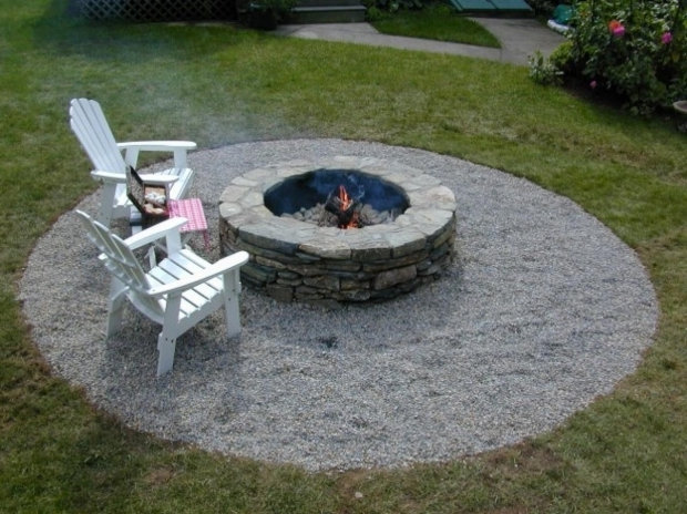 Gorgeous Gravel Fire Pit Area How To Build A Fire Pit Diy Fire Pit How Tos Diy