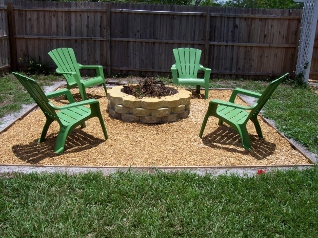 Inspiring Gravel Fire Pit Area Diy Fire Pit I Like The Gravel Around The Fire Pit And That Its