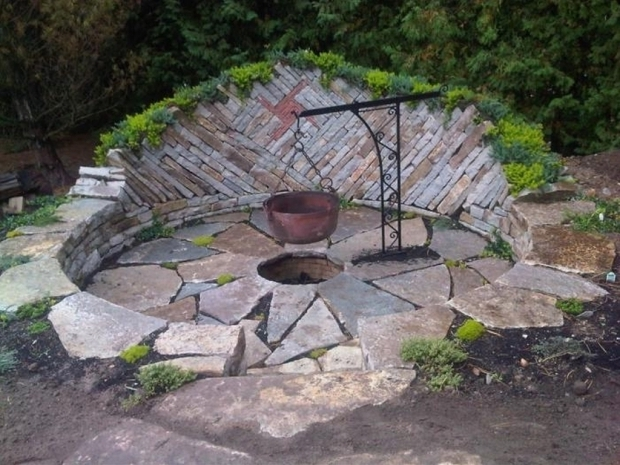 Awesome Rocks For Fire Pit Natural Rock Fire Pit Fire Pits Pinterest Rock Fire Pits