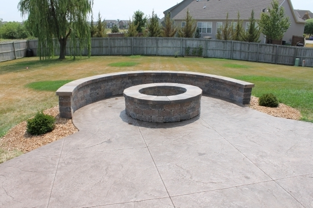 Stamped concrete patio with fire pit fire pit ideas for Step by step fire pit